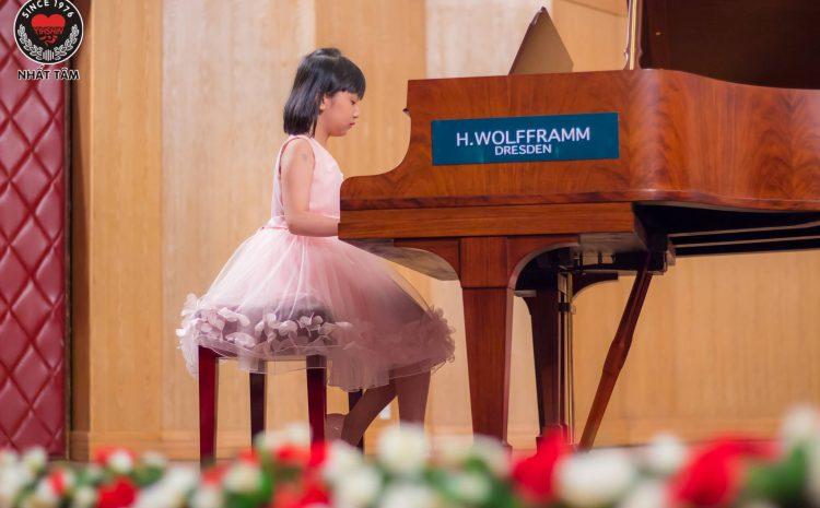 Bảng Giá Học Piano Cho Người Mới