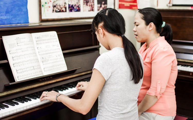 Bảng Giá Học Piano Cho Người Lớn