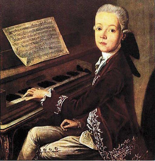 Mozart chơi piano lúc bé - Nhất Tâm