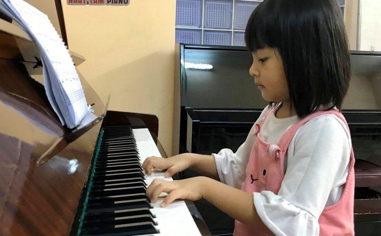 TRẺ EM HỌC PIANO TỐT HƠN NGƯỜI LỚN?